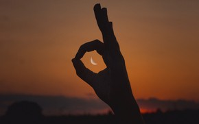 Picture NIGHT, The MOON, SIGN, HAND, FINGERS, SILHOUETTES, PALM, OK)
