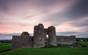 Picture the sky, castle, ruins