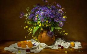 Picture bouquet, cherry, cornflowers, apricots