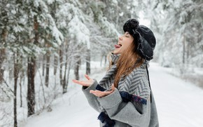 Picture language, girl, snow, hat, brown hair, coat