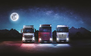 Picture moon, mercedes benz, night, actros