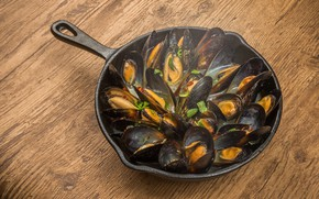 Picture table, seafood, pan, mussels