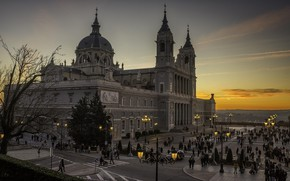 Picture the city, the evening, Spain, Madrid, Madrid, Cathedral of the Almudena