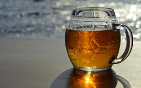 Picture glass, water, drops, surface, light, glare, reflection, shore, beer, shadow, transparent, alcohol, mug, drink, yellow, …