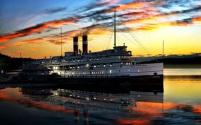 Picture steamer, Passenger, Sunset, ''Kingston'', Canada Steamship Lines