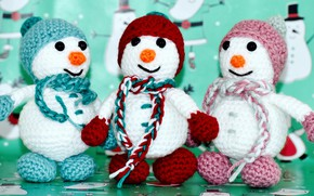 Picture winter, holiday, toy, toys, Christmas, three, New year, snowmen, snowman, caps, trio, green background, mittens, …