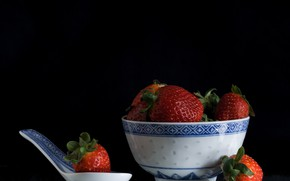 Picture berries, strawberry, black background, bowl