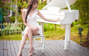 Picture girl, Asian, piano