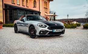 Picture house, Parking, 2018, Abarth, 124 GT