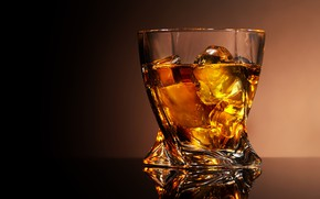 Picture glass, reflection, background, ice, alcohol, whiskey, glass