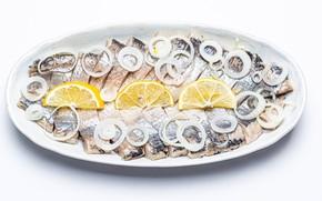 Picture lemon, fish, bow, plate, pieces