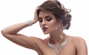 Picture look, face, model, hand, makeup, brunette, hairstyle, bracelet, shoulders, gesture, woman, necklace, beautiful, diamond, jewelry, …