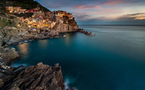 Picture sea, clouds, the city, lights, rocks, coast, view, home, the evening, Italy, Manarola