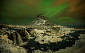 Picture mountain, Northern lights, Iceland