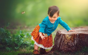 Picture butterfly, nature, stump, girl, baby, child, Edie Layland