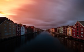 Picture the city, night, Trondheim