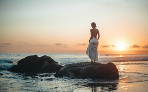 Picture sea, the sky, girl, sunset, the evening, Roberto Nickson