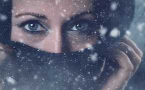 Picture eyes, look, snow, face, hands, scarf