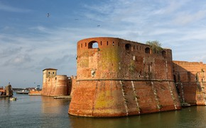 Picture Italy, Livorno, The Old Fortress
