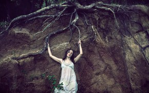 Picture girl, roots, tree, earth