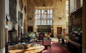 Picture castle, interior, fireplace, living room, House in Cotswolds