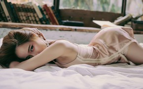 Picture look, books, bed, bending, Asian, hip, asian, asian girl