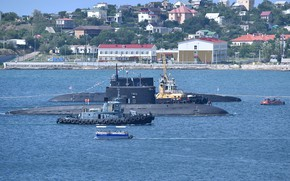 Picture tugs, submarines, maneuvering, Sevastopol