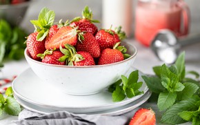 Picture berries, strawberry, bowl, mint