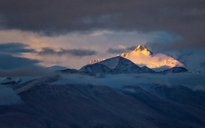 Picture clouds, mountains, top, Tibet