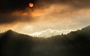 Picture the sun, rays, mountains, clouds, Eclipse