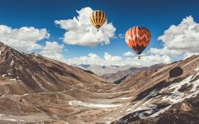 Picture the sky, clouds, snow, mountains, balloons, India, Ladakh, Ladak
