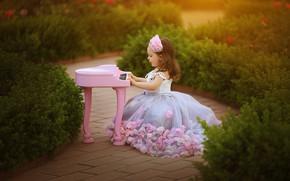 Picture nature, dress, track, girl, piano, baby, child, pianist, Larisa Korsikova