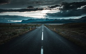 Picture road, the sky, night