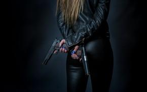 Picture girl, guns, ogie