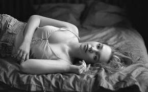Picture neckline, sponge, the beauty, monochrome, curls, Julia, Igor Kondakov