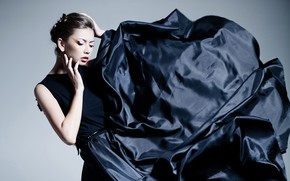 Picture pose, background, makeup, dress, brunette, hairstyle, outfit, fabric, beauty, in black