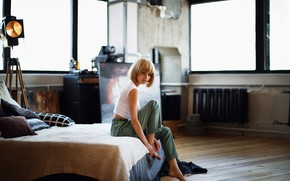 Picture look, smile, bed, Girl, legs, hairstyle, Sergey Potulny, Tatiana Walter
