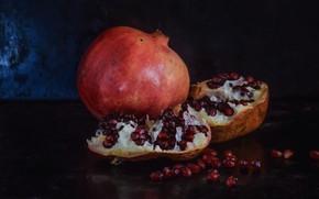 Picture the dark background, food, fruit, still life, placer, halves, grenades, grain, garnet, pomegranate