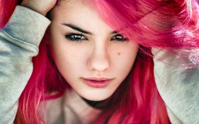 Picture look, close-up, face, model, portrait, hands, makeup, hairstyle, beauty, jacket, Delaiah Gonzalez, Delaia Gonzalez, Gustavo …