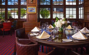 Picture interior, restaurant, the hotel, Dining, The Club Room, Portola Hotel at Monterey Bay