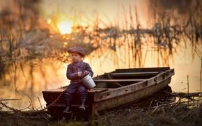 Picture boat, boy, bucket