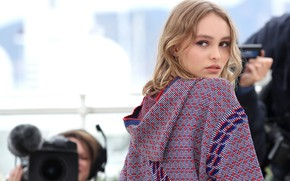 Picture pose, model, makeup, actress, photoshoot, Lily-Rose Depp, Lily-Rose Depp