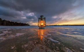 Picture lake, lamp, ice