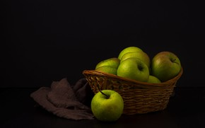 Picture the dark background, apples, green, fabric, black background, still life, basket