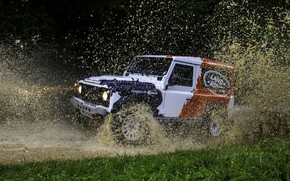 Picture squirt, Land Rover, Defender, 2013, 2014, Challenge, Bowler