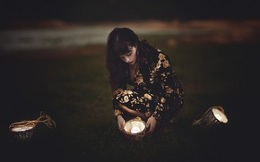 Picture girl, light, darkness, dress, light bulb, baskets, squat