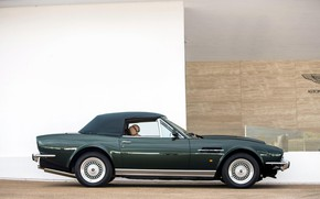 Picture convertible, side view, Classic, Green, Aston Martin V8 Vantage Volante, British car