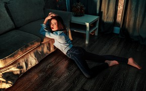 Picture look, pose, room, sofa, model, jeans, makeup, figure, hairstyle, lies, shirt, brown hair, curtains, on …