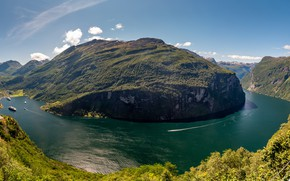 Picture the sky, the sun, clouds, mountains, rocks, ships, Norway, panorama, Bay, the fjord, Geirangerfjord