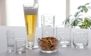 Picture beer, glasses, set, peanuts